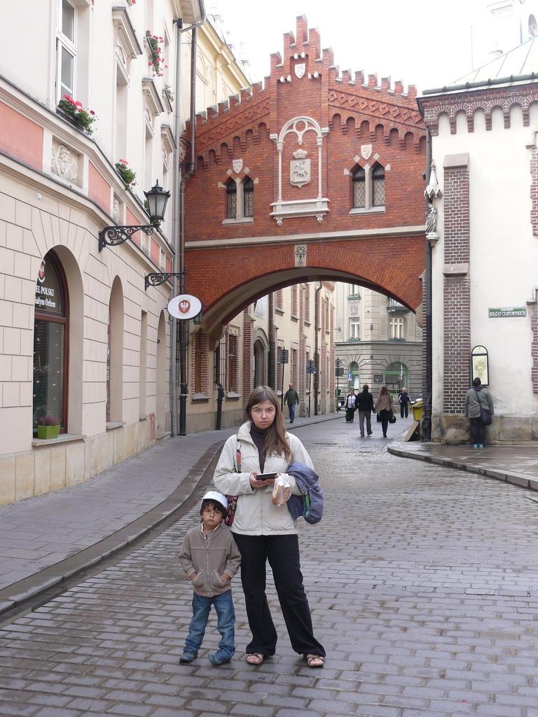 на улице Старого города