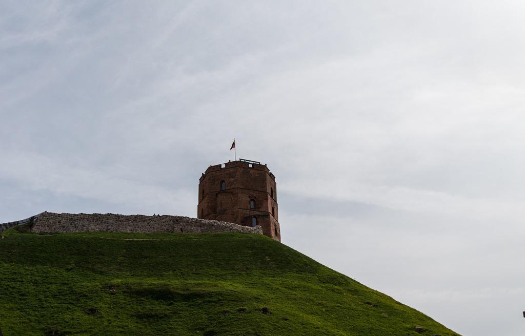 Башня Гедемина, вид снизу